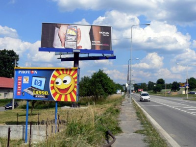 Billboardy u silnice