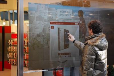 Dotyková zpětná projekce Vodafone