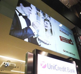 Folie Vikuiti v ČR instalace Unicredit Bank