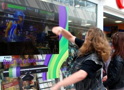 Microsoft a UGO! - Xbox Kinect přináší interaktivitu na zpětné projekce