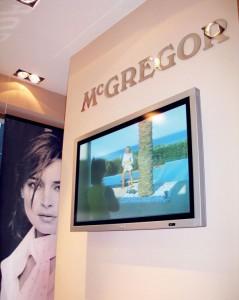 Instalace obrazovek v prodejnách McGregor
