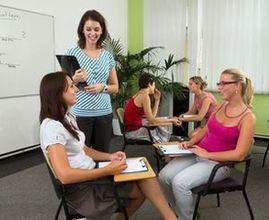 Studenti jazykové školy LITE se věnují komunikaci až 80% z vyučovacího času.