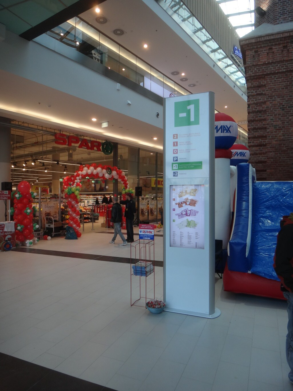 Jansen Display - Digitální totem v OC Breda